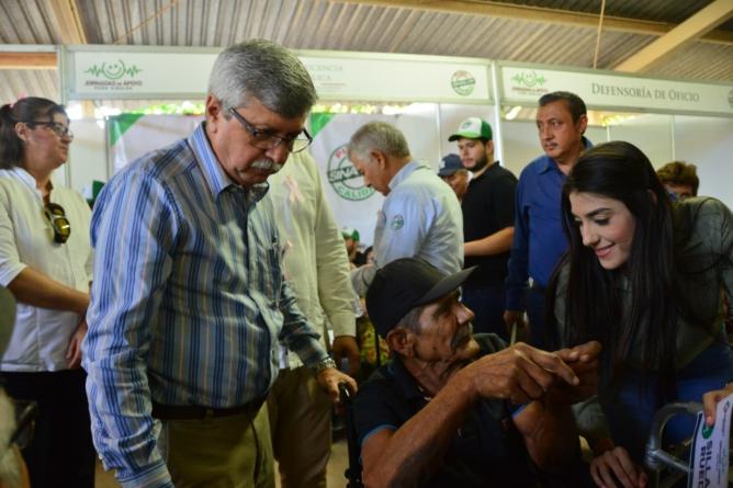 Ofrece Gobierno de Sinaloa apoyo para lentes intraoculares, aparatos auditivos y prótesis de mama