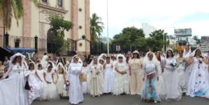 Lupita tendrá un corrido | El performance La Novia de Culiacán regresa este 2019 con sorpresas