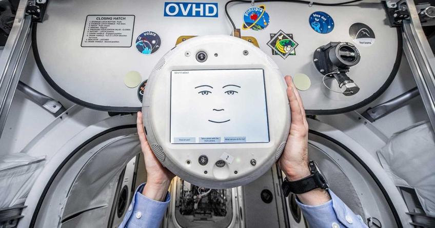Conoce a CIMON, el primer robot 'astronauta' con inteligencia artificial