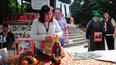 Con simbólico brindis, rastreadoras recuerdan a familiares desaparecidos