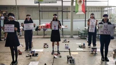 #NiUnaMenos | Alumnas de prepa Allende se manifiestan contra violencia de género