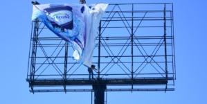 Gobierno de Culiacán retira lonas publicitarias irregulares