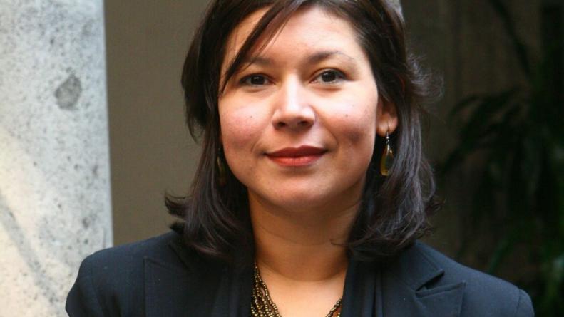 La culichi Cristina Rascón recibe el Premio Sonora a la Cultura y las Artes