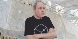 «Los ingenieros son más artistas de lo que creen» | Una charla con Theo Jansen y sus bestias de playa