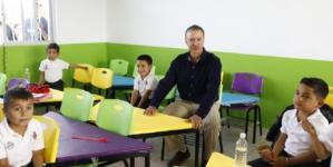 Quirino pone fin a 'aulas de cartón' en Sinaloa; se eliminarán todas las que se detecten