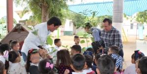 SEDESU entrega más de 3 mil árboles para reforestar Mocorito