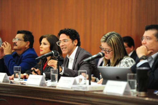 Diputado ventila 'red de nepotismo' en Icatsin; secretario de farándula, llaman a Juan Alfonso Mejía