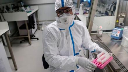 Prueban en EU primera vacuna experimental contra Coronavirus