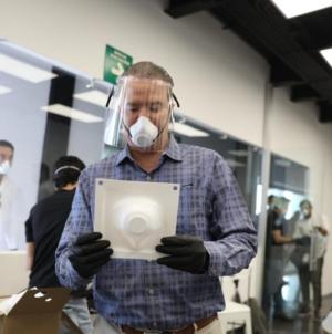 Centro de Ciencias fabricará 12 mil mascarillas durante abril