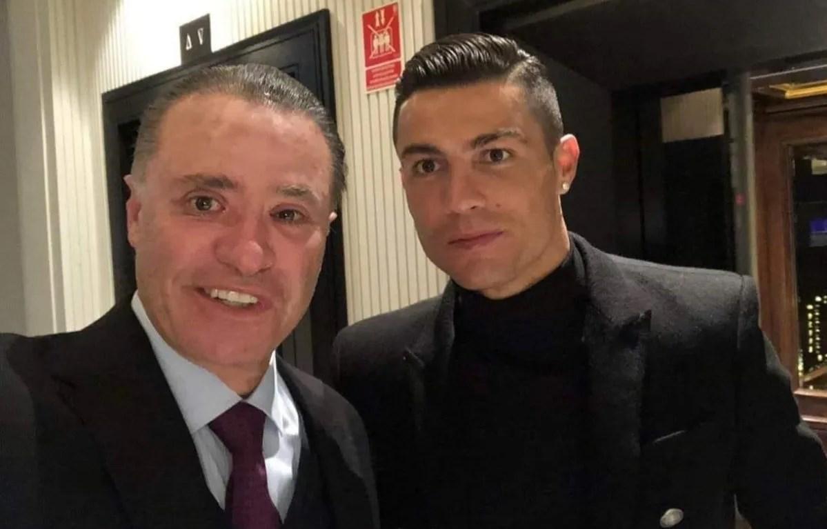 Con una selfie junto a Cristiano Ronaldo, Quirino preguntó a los sinaloenses: ¿Se lo imaginan en Sinaloa? FOTO: Twitter/Quirino Ordaz.
