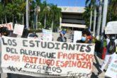 Federación Nacional de Estudiantes Revolucionarios Rafael Ramírez (FNERR) se manifiesta en Palacio de Gobierno para exigir vacunas ante el regreso a clases presenciales. Foto: Leo Espinoza.