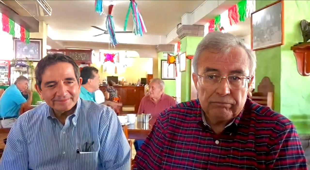 Héctor Melesio Cuen Ojeda junto a Rubén Rocha Moya. FOTO: Cortesía.